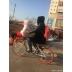 街头又现摩拜单车奇葩姿势:父女骑行太不雅
